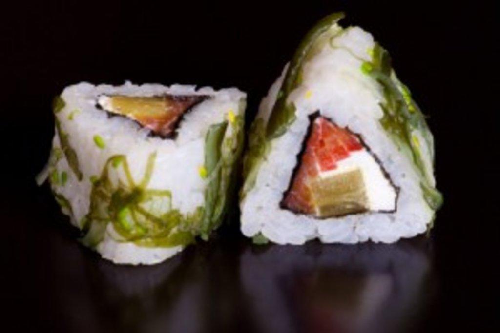 Роллы: Диру маки в Sushin