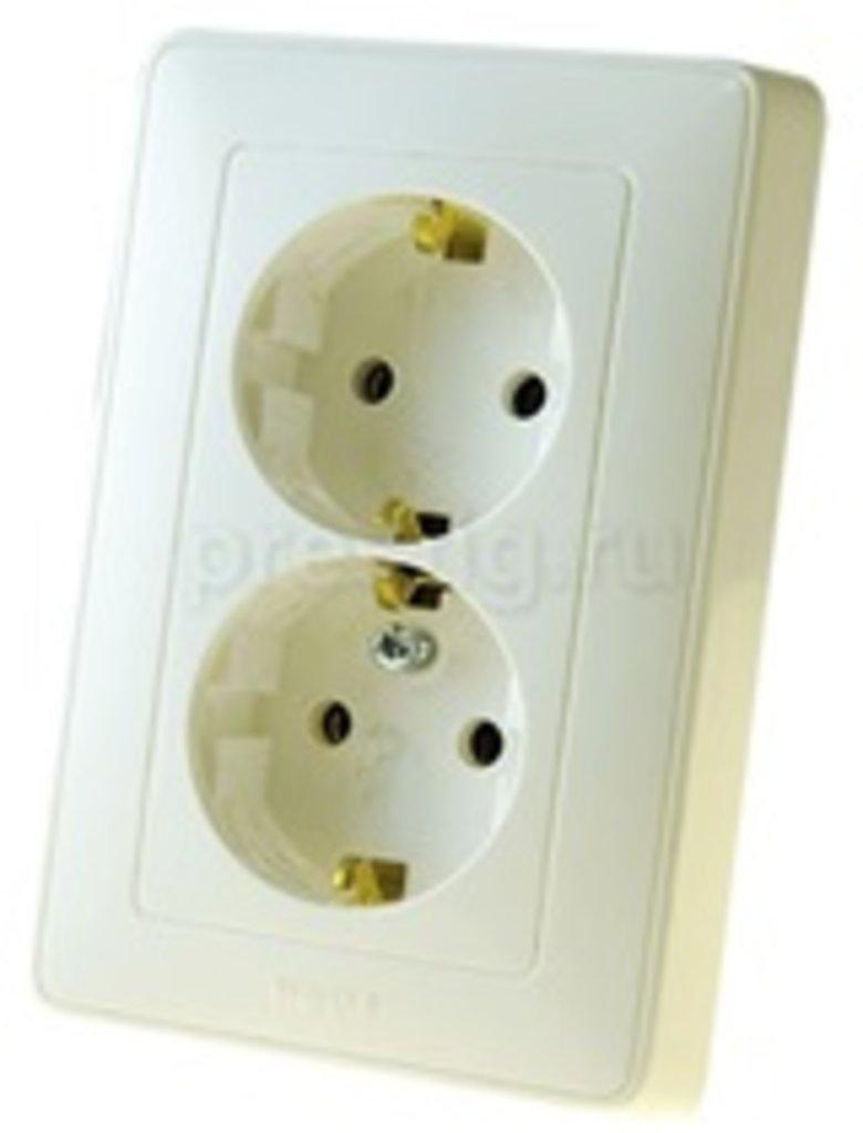 Электроустановочные изделия: L773627 Cariva Роз.2х(2К+З),в 1 гнезд.нем.ст,белая в Электрика