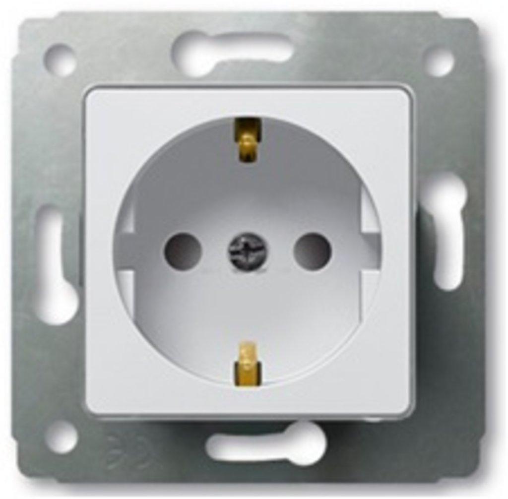 Электроустановочные изделия: L773616 Cariva Розетка 2К, белая в Электрика