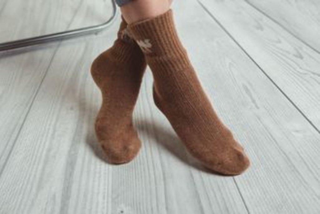 Чулочно-носочные изделия: Носки из 100% шерсти верблюда в Сельский магазин