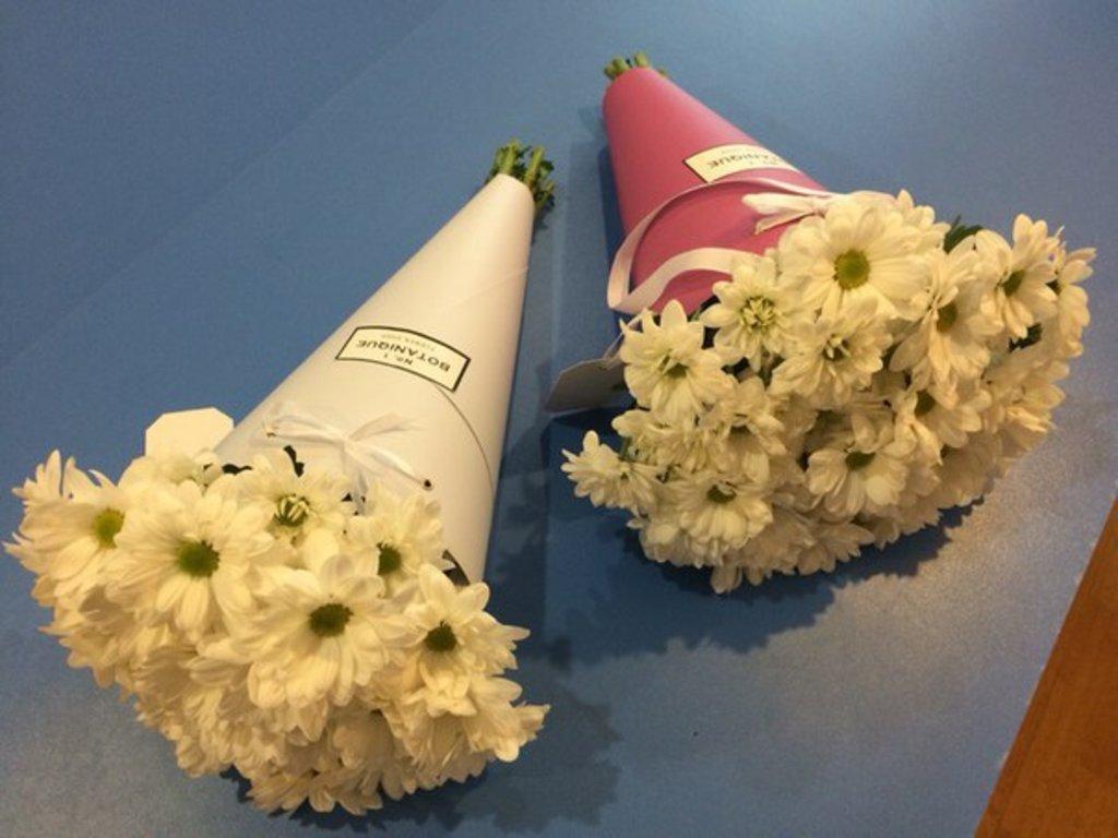 Venice: Ромашковая Хризантема в кульках в Botanique №1,ЭКСКЛЮЗИВНЫЕ БУКЕТЫ