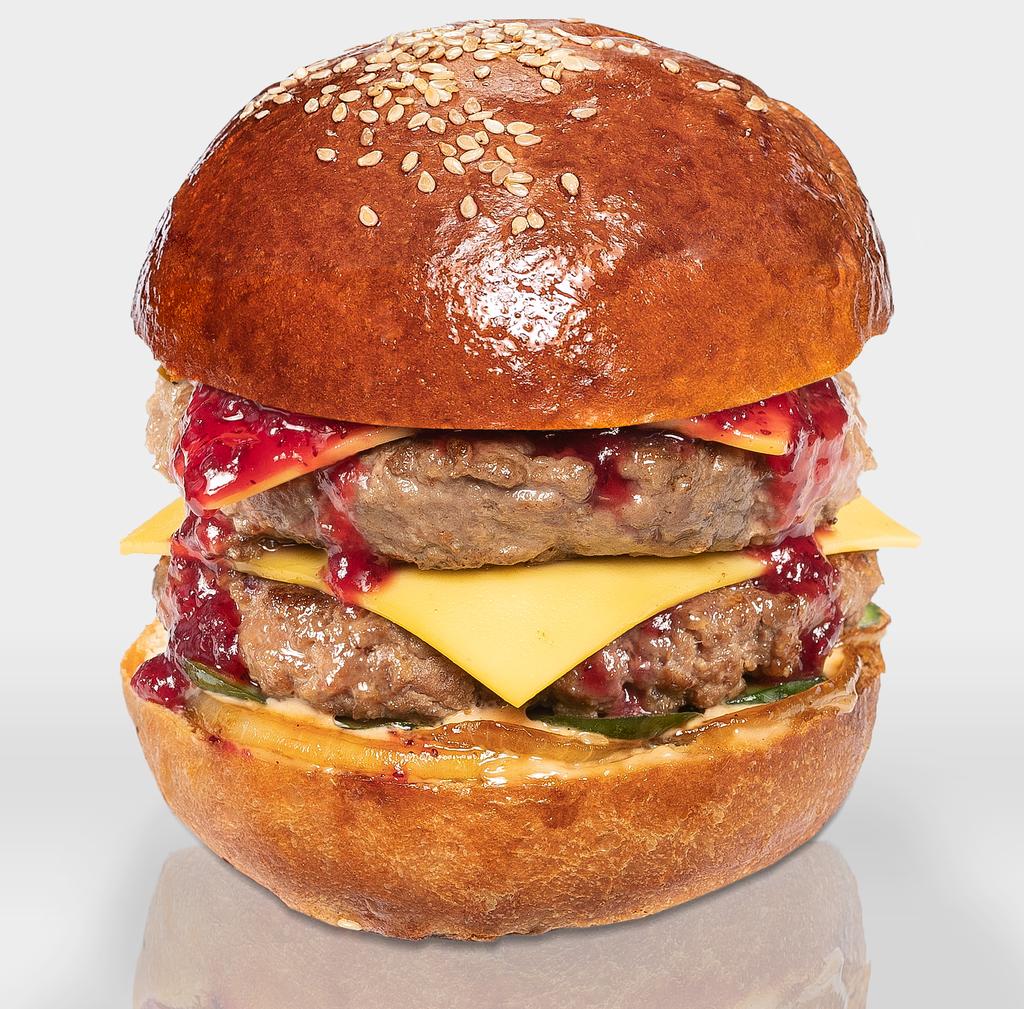"""Бургеры с двойной котлетой из говядины: Бургер """"XL Умный Абуэло"""" в The Угли"""