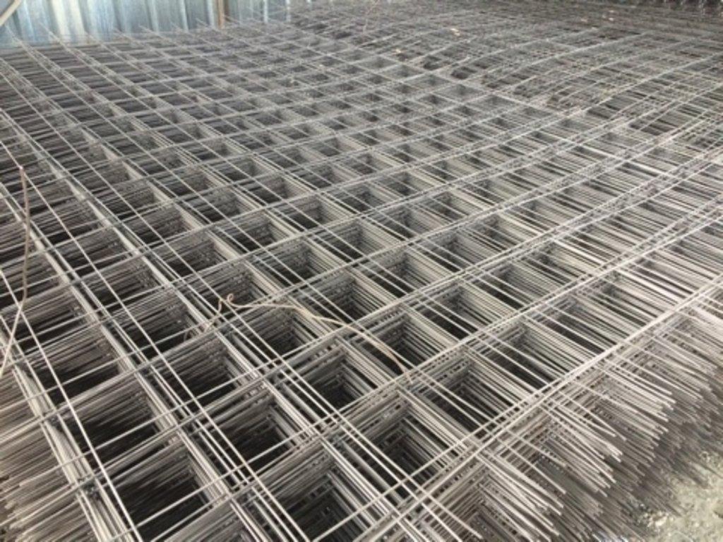 Металлоизделия строительного назначения, общее: Сетка кладочная (4) ячейка 200*200, размеры: 200*300, 6 м2 в 100 пудов