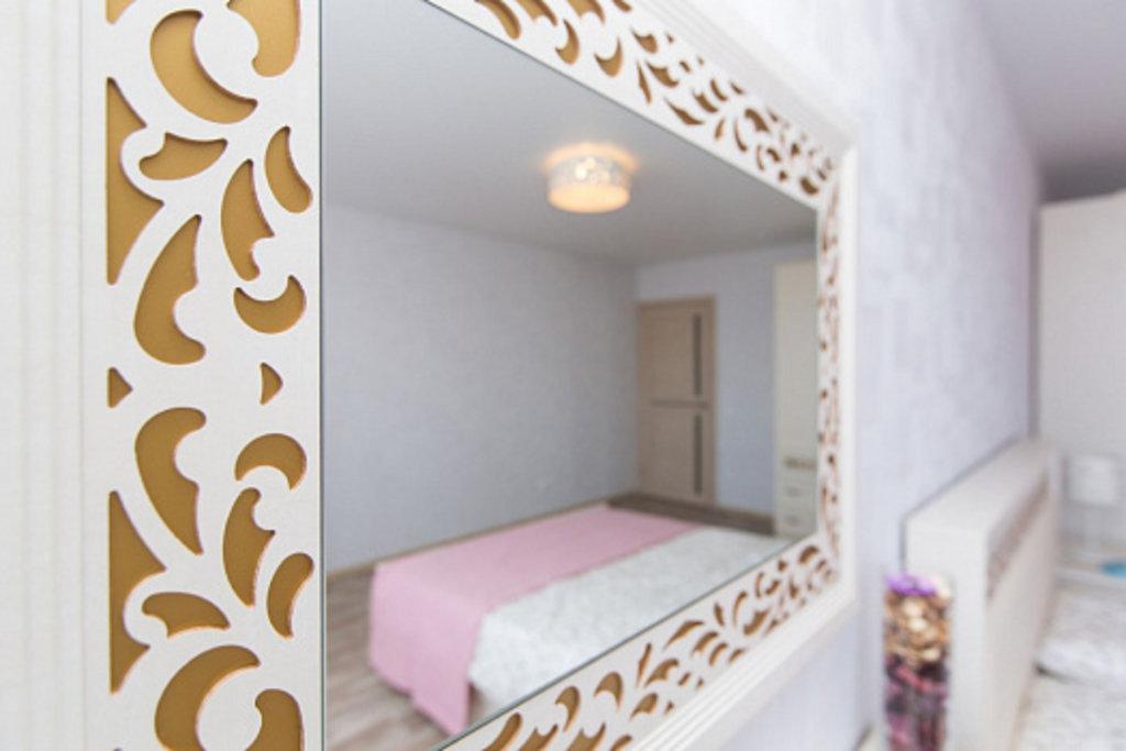 Спальни: Ливадия Л10 Зеркало в Диван Плюс