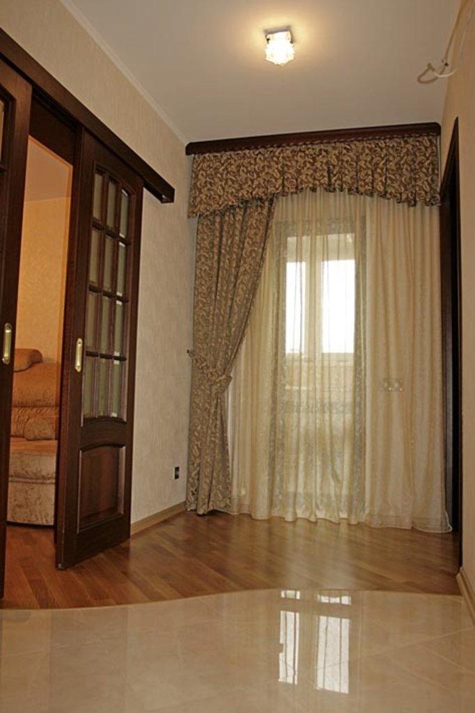 Шторы, портьеры: Шторы в холл в Декор окна, салон