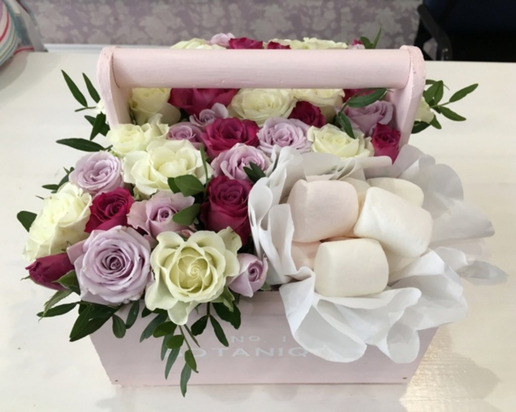 """Botanique CANDY: """"Botanique candy""""🍬 Цветы+сладости (Микс из Кустовых роз+Зефирки) в Botanique №1,ЭКСКЛЮЗИВНЫЕ БУКЕТЫ"""