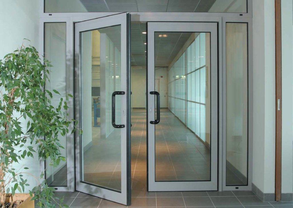 Алюминиевые двери в Галерея, ООО