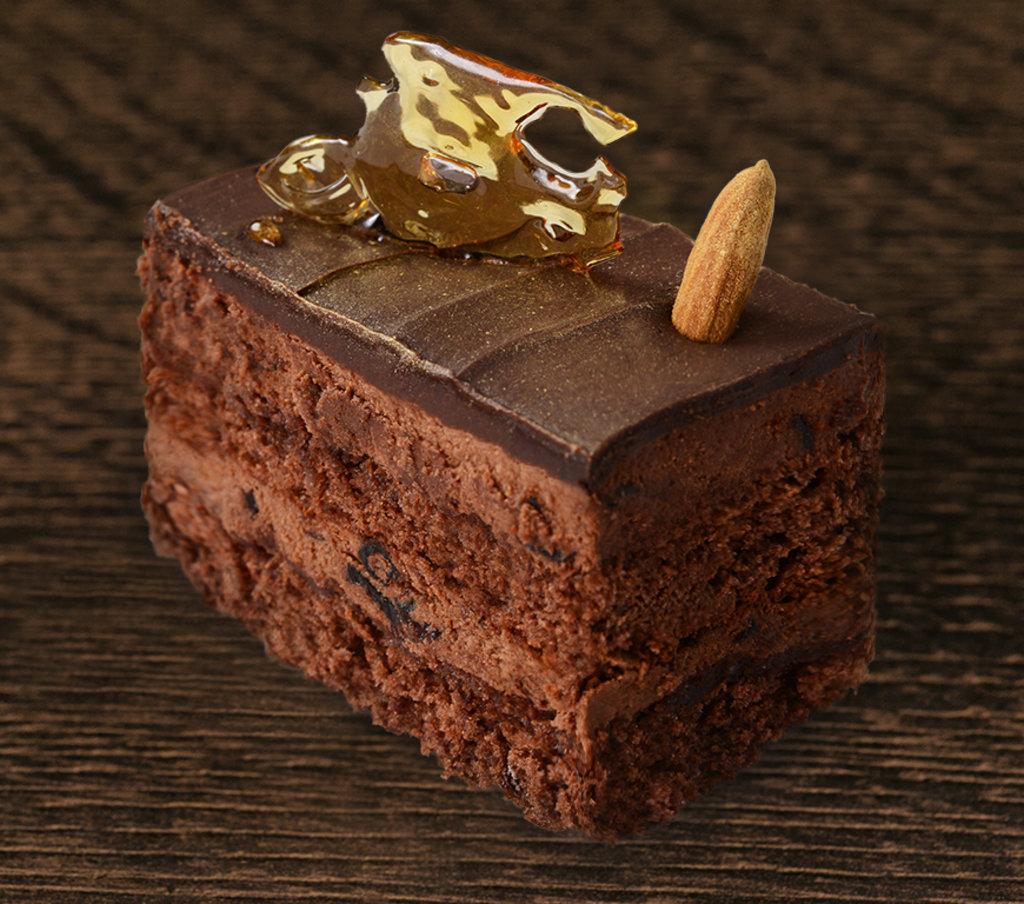 Пирожные: Трюфель с черносливом в Провиант