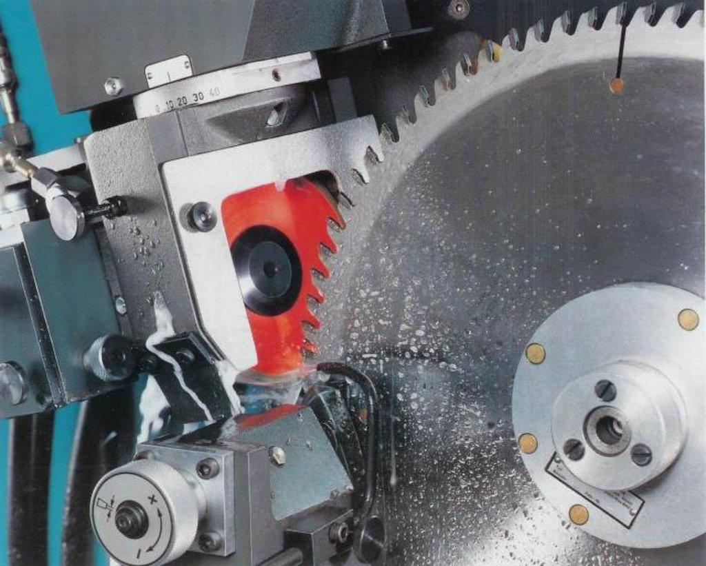 Заточка инструмента: Заточка дисковых пил в Интерлес, ООО