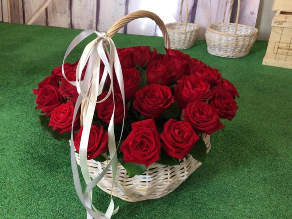 Корзины цветов: Корзина (35 Классических роз) в Botanique №1,ЭКСКЛЮЗИВНЫЕ БУКЕТЫ