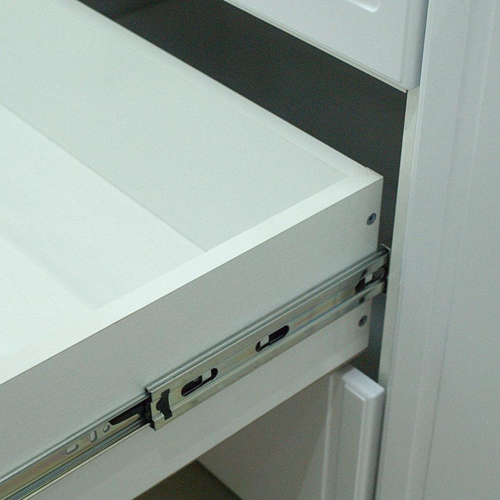 Шкафы для одежды и белья: Шкаф для одежды 4-х дв с ящик (с зерк) (02) Виктория в Стильная мебель