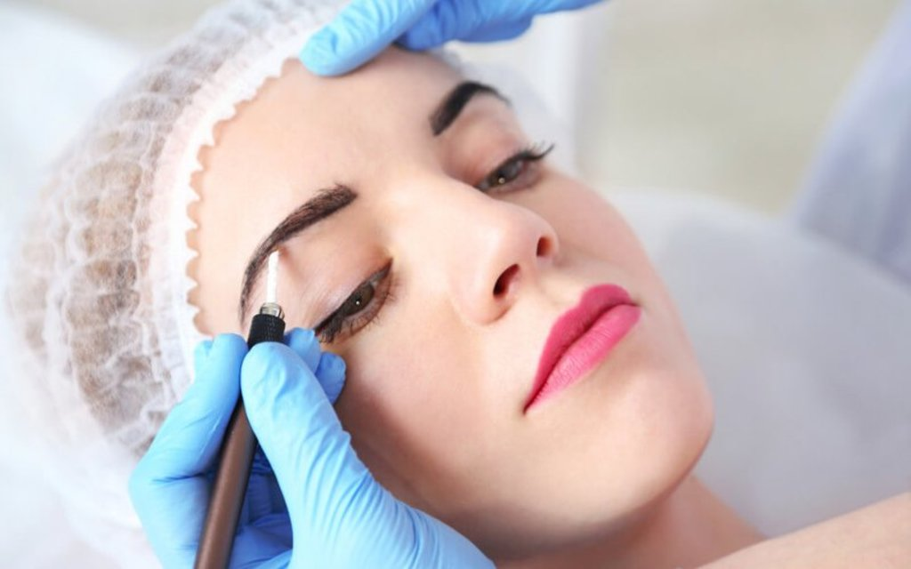 Косметологические услуги: Коррекция татуажа в Косметический кабинет