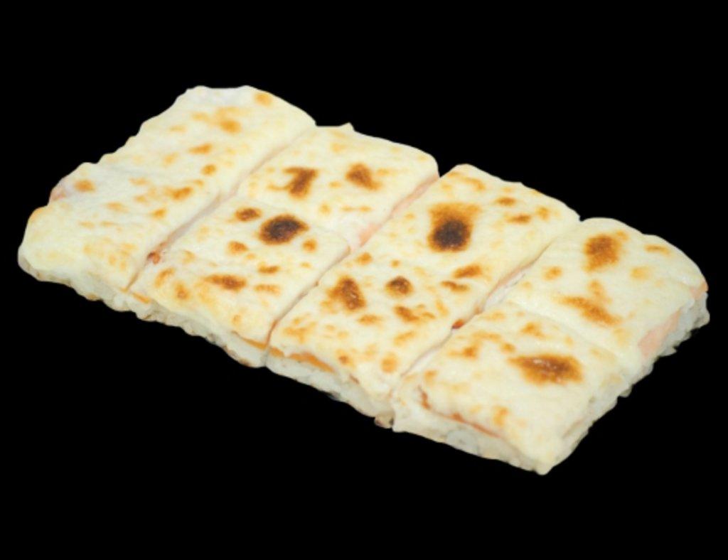 Запеченные роллы: Рисовая пицца с лососем в ХИТО СУШИ