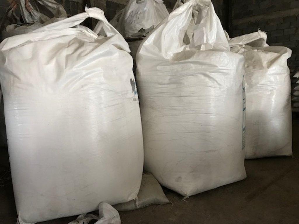 Пластификаторы и добавки в растворы: Известь комовая 2 сорт (50кг) в 100 пудов