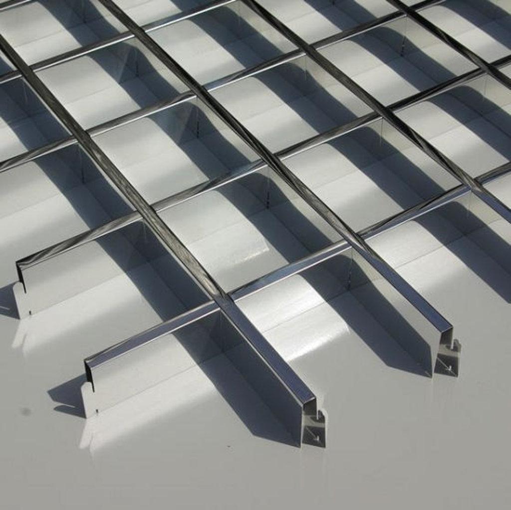 Потолки грильято: Потолок грильято 120х120 ( выс.30/шир.5) Эконом суперхром А741 в Мир Потолков