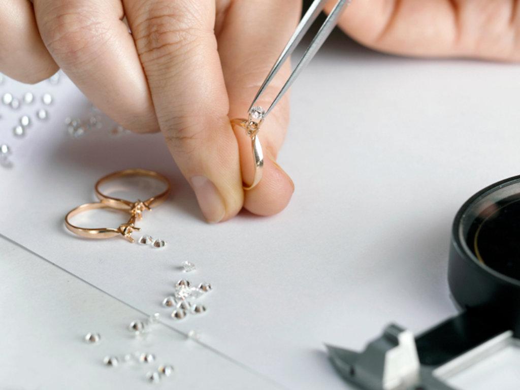 Ремонт ювелирных изделий: Ремонт кольца в Граверная и ювелирная мастерская, ИП Сахаров Д.Г.