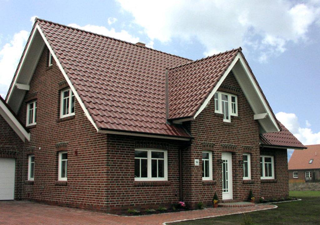 Строительство: Дом из кирпича (чистовой вариант без отопления) в А-Строй