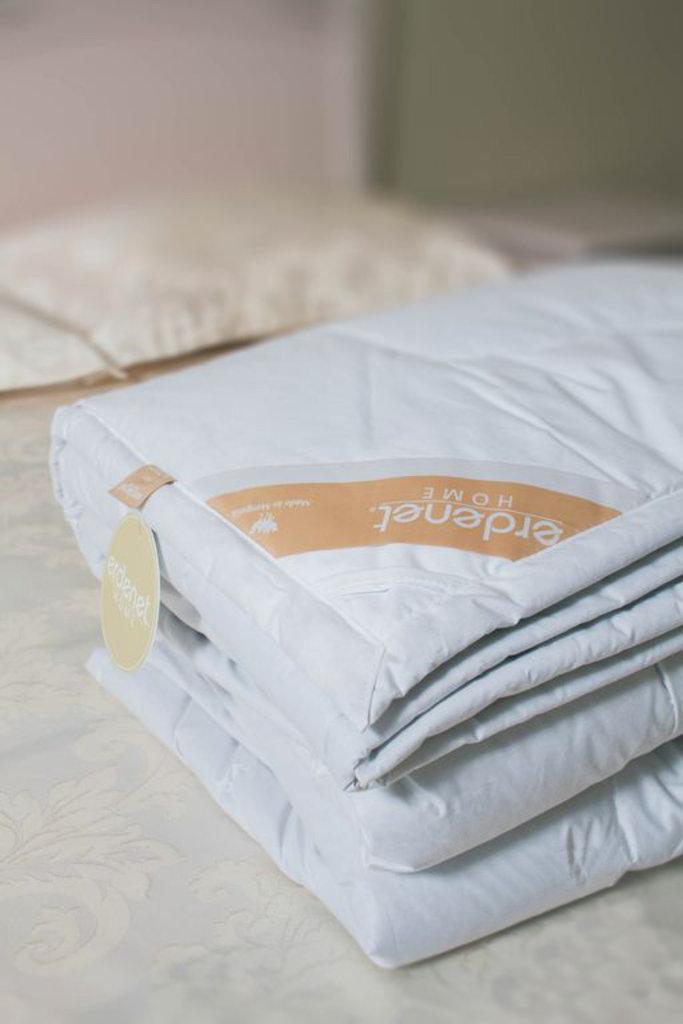 Одеяла и пледы: Одеяло стёганое из 100% верблюжьей шерсти премиум в Сельский магазин