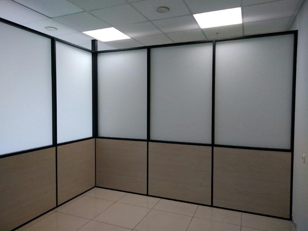Перегородки для офиса и дома: Каркасные перегородки Free Stuyle в Строймода СК, ООО