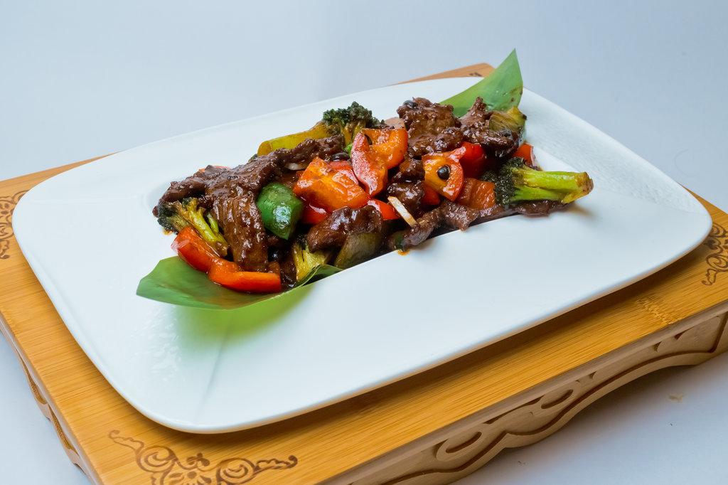 Горячие блюда: Говядина с бобовым соусом в Шанхай