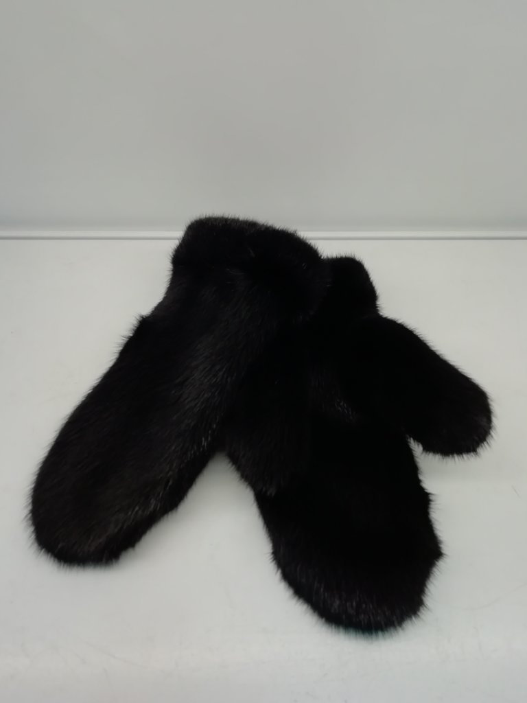 Изделия из натурального меха и кожи (перчатки, варежки, тапочки): Варежки женские из норки в Сельский магазин