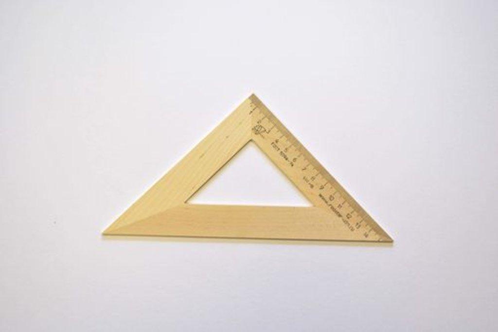 Линейки, рейсшины: Треугольник деревянный 45*,16см в Шедевр, художественный салон