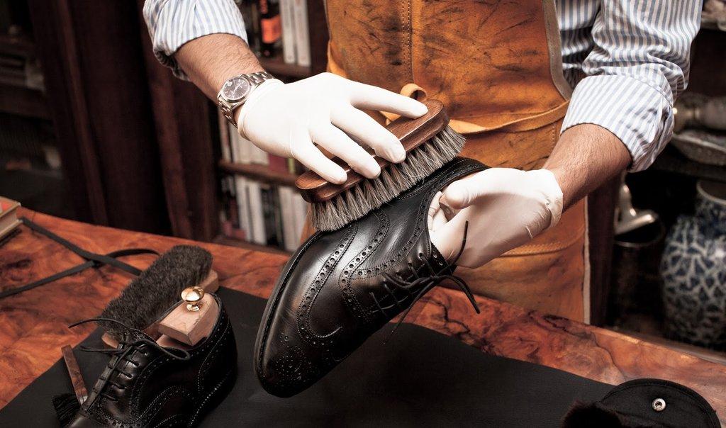 Ремонт обуви и сумок: Химчистка обуви в Химчистка на Предтеченской