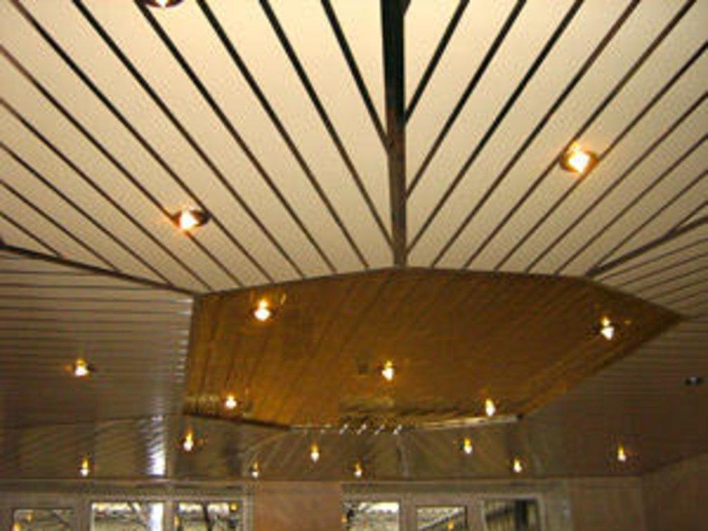 Реечные потолки: Реечный потолок открытого типа AN85A суперхром А741 в Мир Потолков