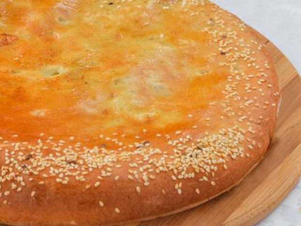 Осетинские пироги: Пирог осетинский с курицей, осетинским сыром и грибами в Провиант