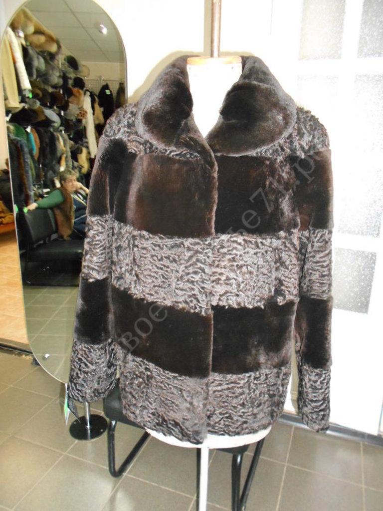 Индивидуальный пошив: Куртка из мутона с каракулем коричневого цвета в Молодость