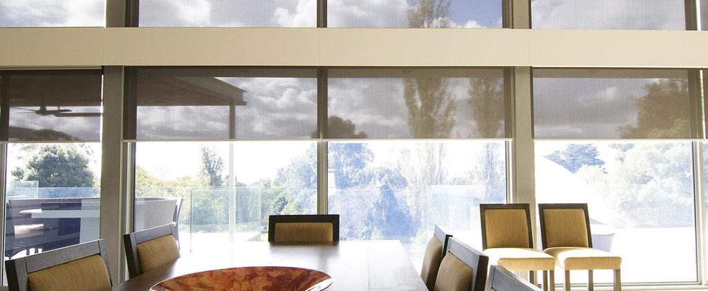 Рулонные шторы: Специальные модели рулонных штор (LOUVOLITE) для закрытия проёмов в Салон штор, Виссон