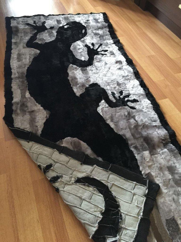 """Шкуры натуральные, ковры, пледы, накидки: Накидка из овчины """"Саламандра темная"""", 0,65 х 1,5 м в Сельский магазин"""