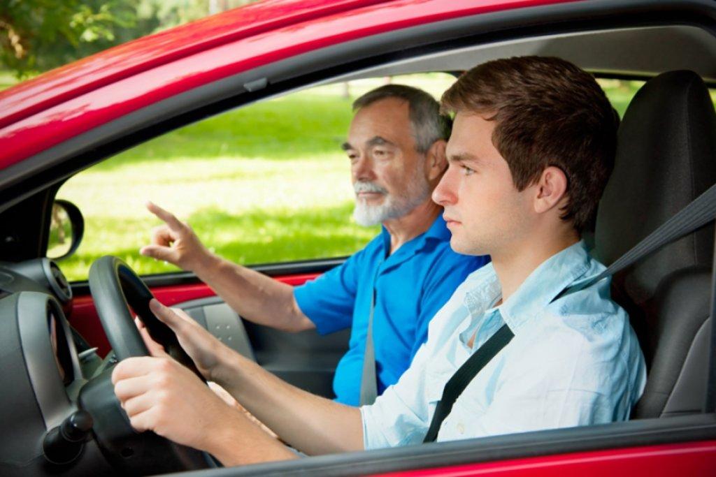 Автошкола: Восстановление навыков вождения в Лидер автошкола