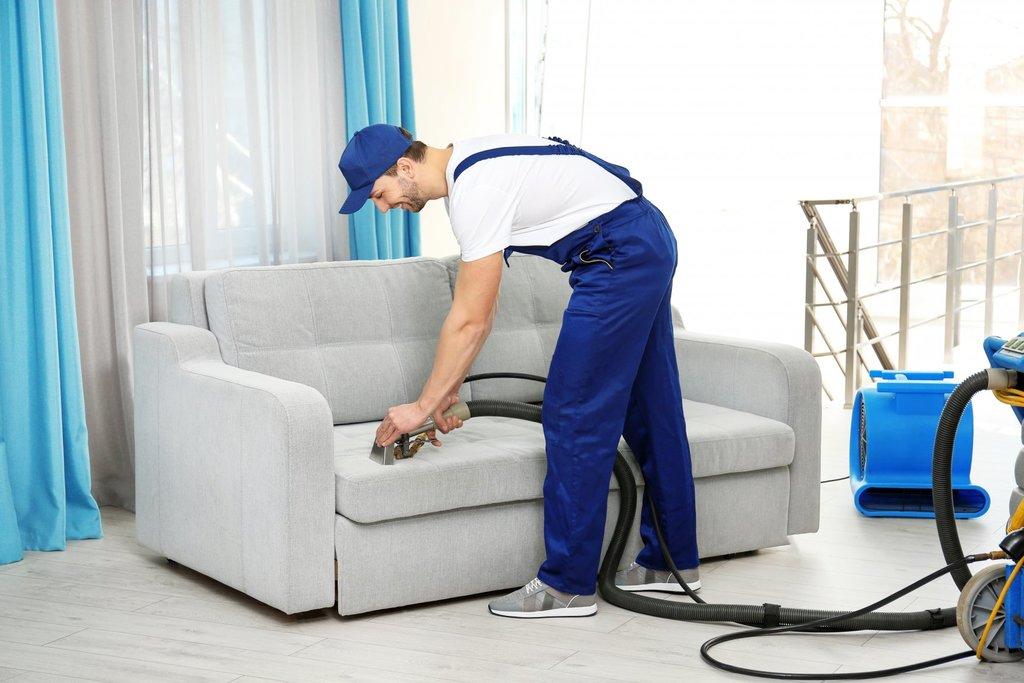Клининговые услуги: Химчистка дивана в ГАРАНТ КЛИНИНГ   клининговая компания