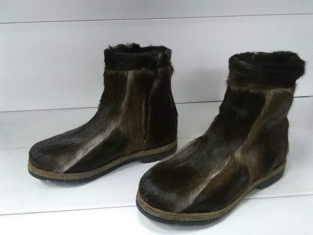Унты, сапоги мужские: Унты  мужские короткие из камуса Северного оленя на замке в Сельский магазин