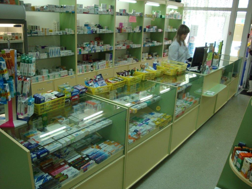 Мебель для аптеки: Аптечные витрины 234EE в Студия Мебели