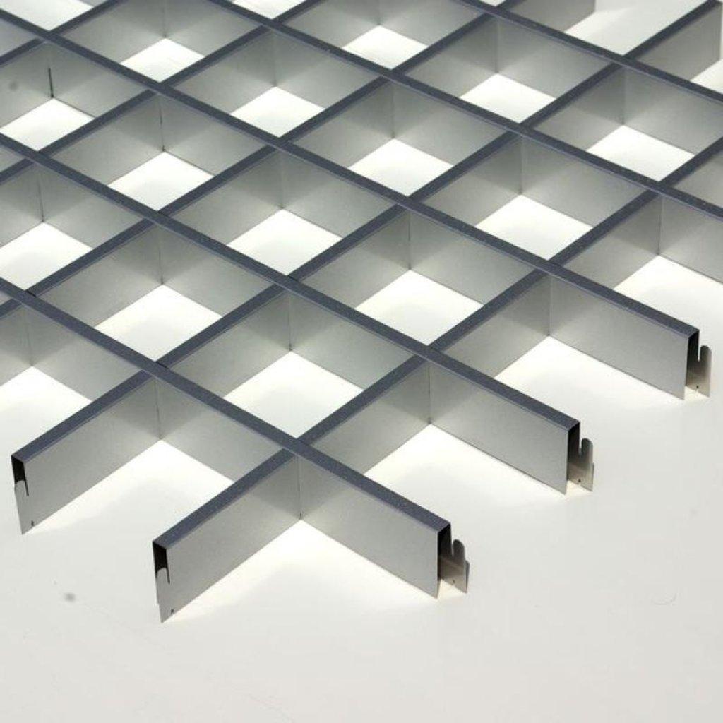 Потолки грильято: Потолок Грильято 75x75 h=40 серебристый металик RAL 9007 (Cesal) в Мир Потолков