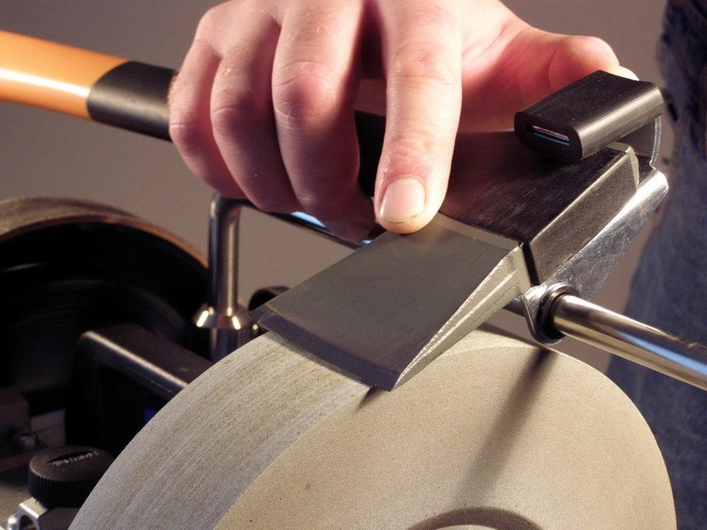 Заточка инструмента: Заточка топора в Интерлес, ООО