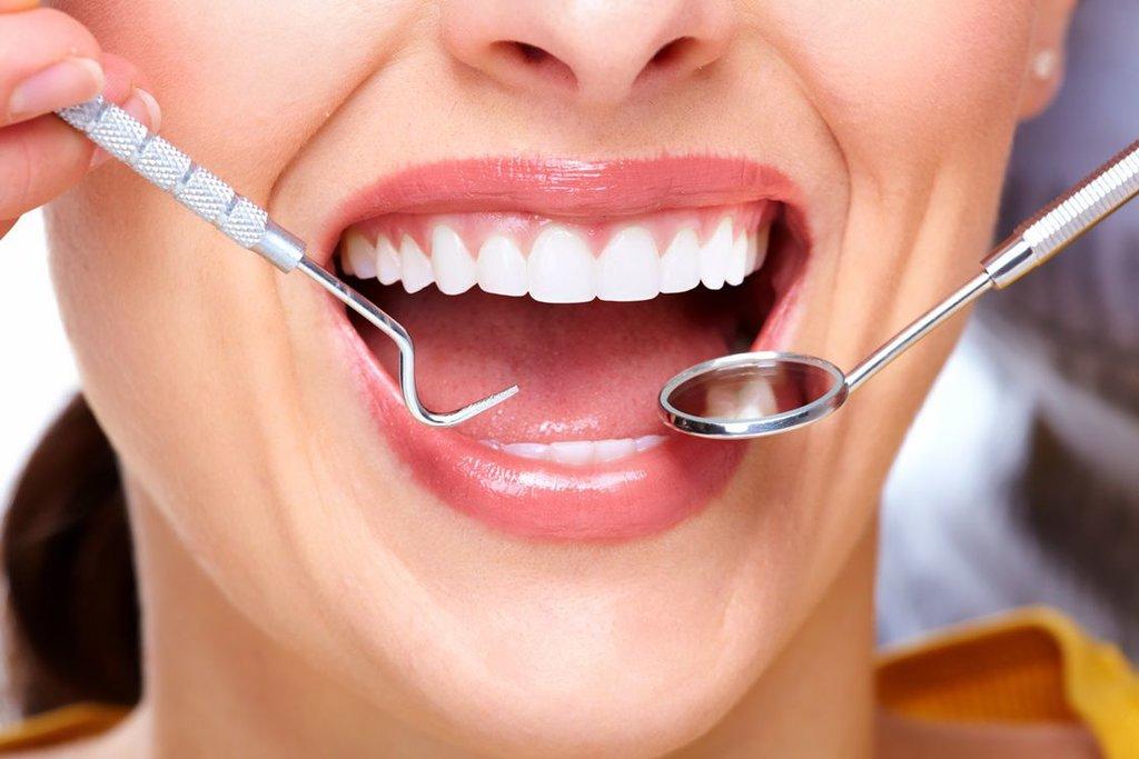Стоматологические услуги: Лечение десен зубов в Эстетика, центр стоматологии, ООО