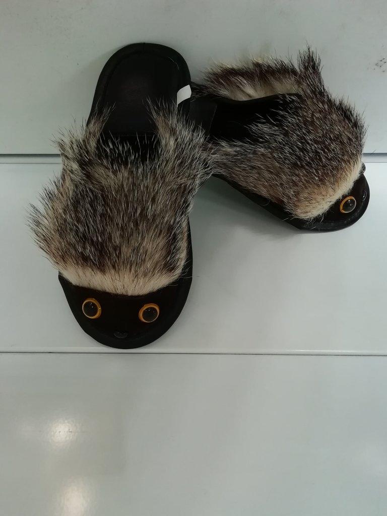 Изделия из натурального меха и кожи (перчатки, варежки, тапочки): Тапочки мех барсук в Сельский магазин