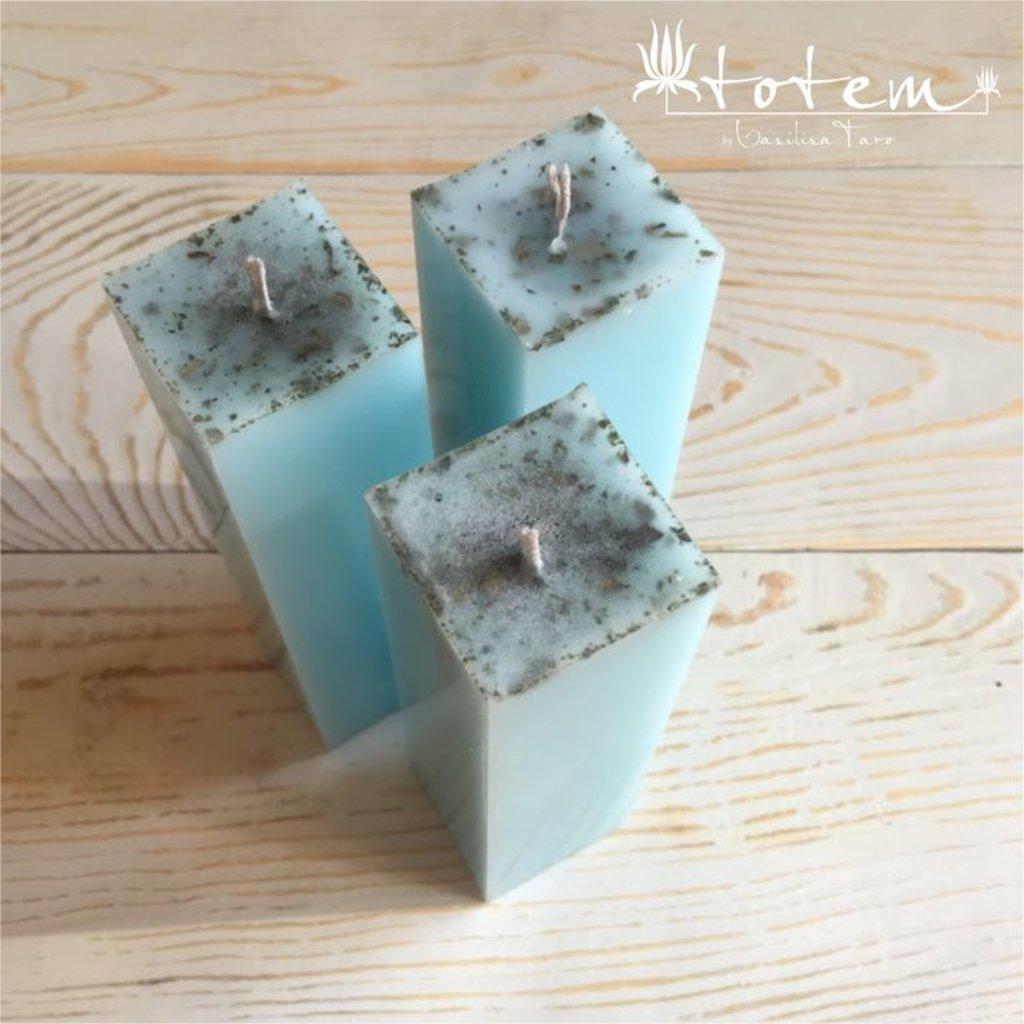 Голубая свеча в ТОТЕМ