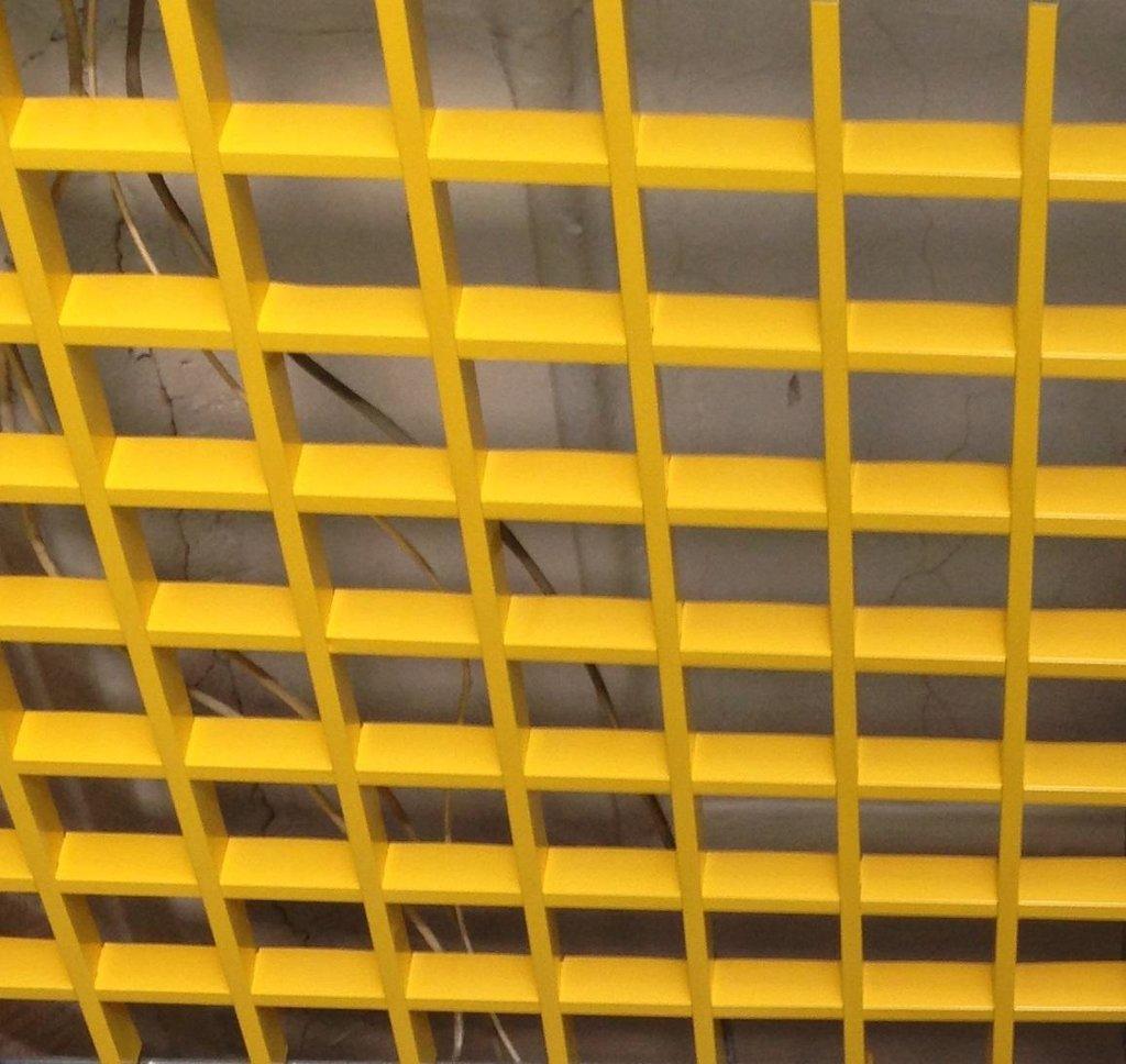 Потолки грильято: Потолок Грильято 200x200 h=40 желтый  (Cesal) в Мир Потолков