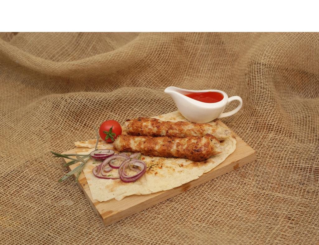 Люля-кебаб: Люля-кебаб из свинины в Кафе «Парус»