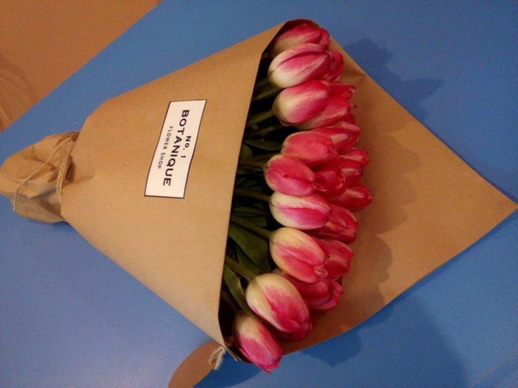 """Кулек крафт: """"Кулек крафт"""" 29 тюльпанов один цвет в Botanique №1,ЭКСКЛЮЗИВНЫЕ БУКЕТЫ"""