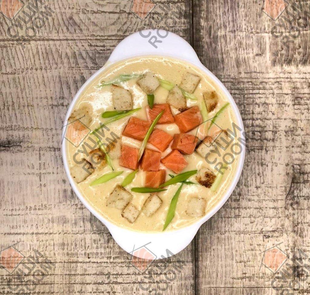 Супы: Крем Суп с Копченым Лососем в Суши Room