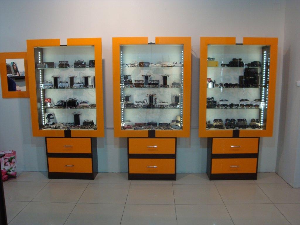 Торговое оборудование на заказ: Витрина для оптики в Студия Мебели