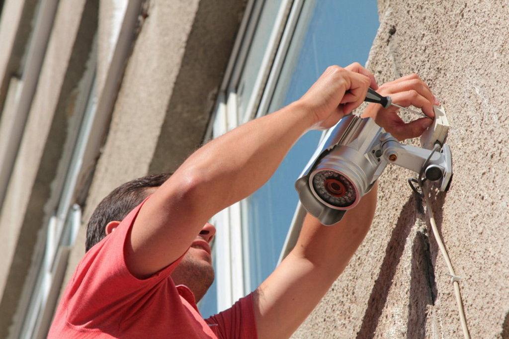 Системы сигнализации и охраны: Установка видеонаблюдения в Эгида, ООО, частная охранная организация