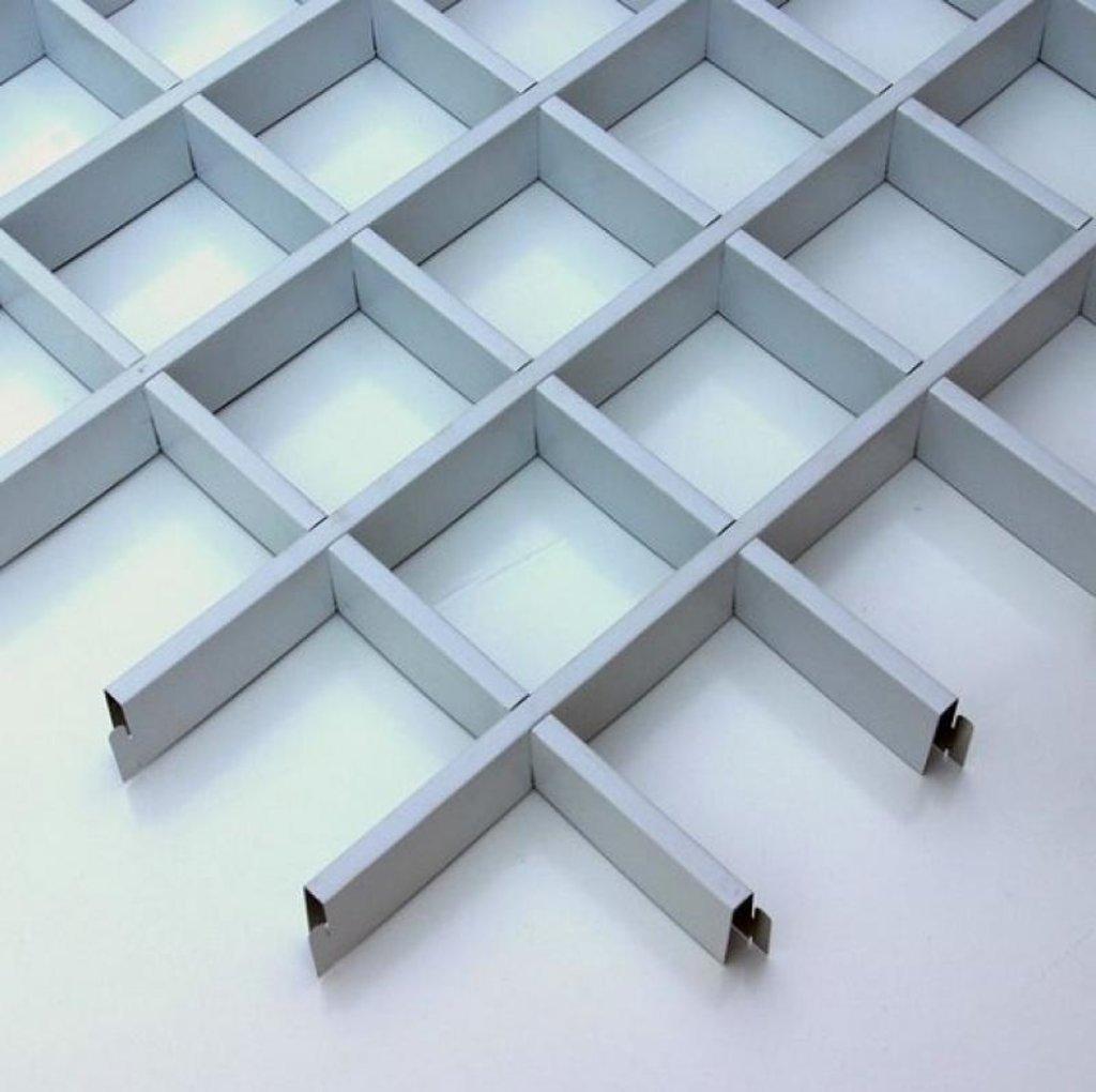 Потолки грильято: Потолок Грильято 200x200 h=40 белый (Cesal) в Мир Потолков
