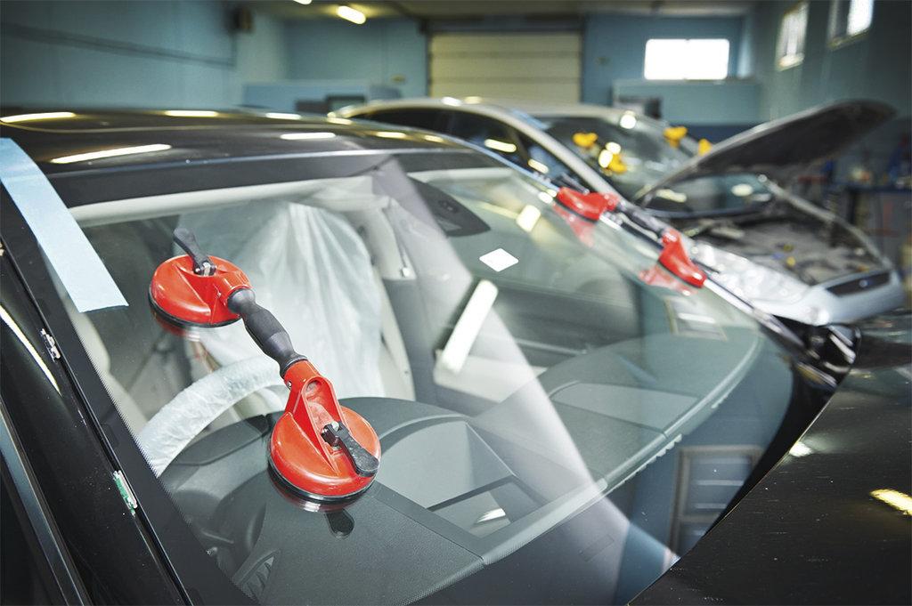 Установка и ремонт автостекол: Замена автостекол в Автостекло