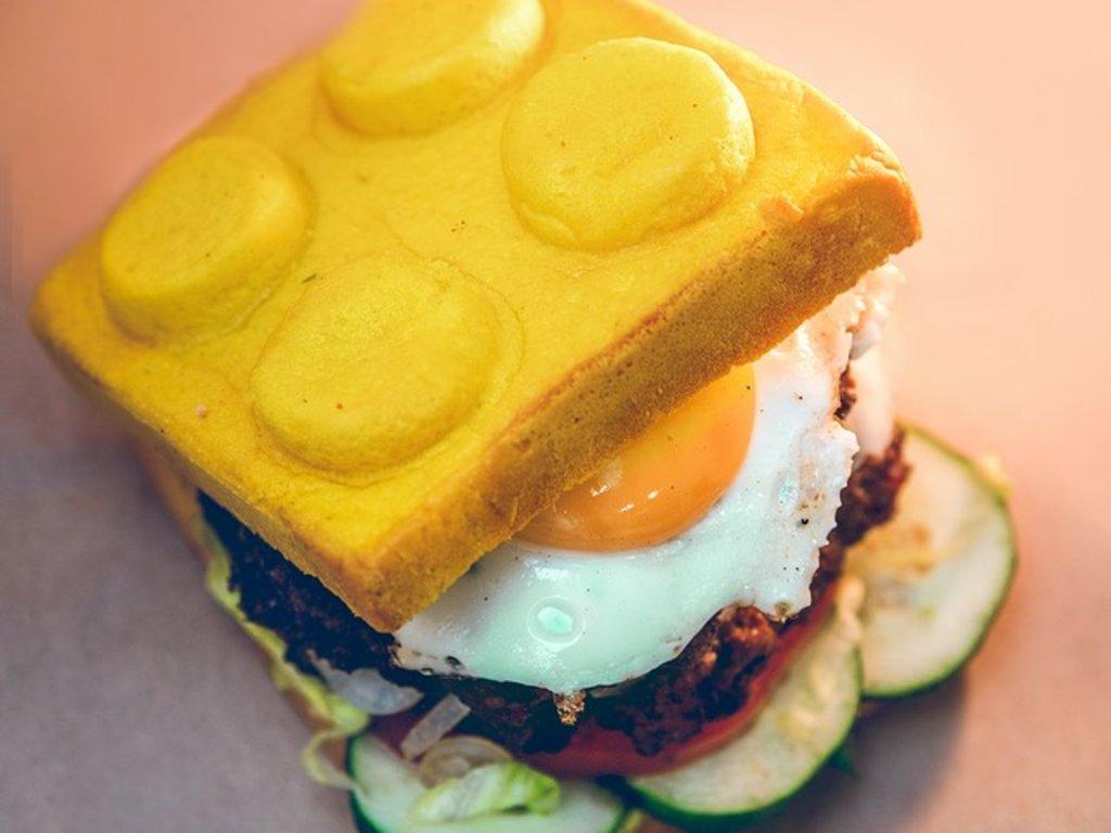 Желтая булочка, 75 гр в Leggo burger